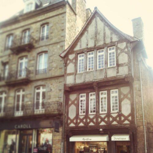 La plus vieille Maison à colombages sur la place du centre